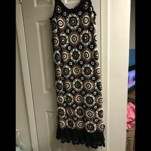 Black multi -colored crochet